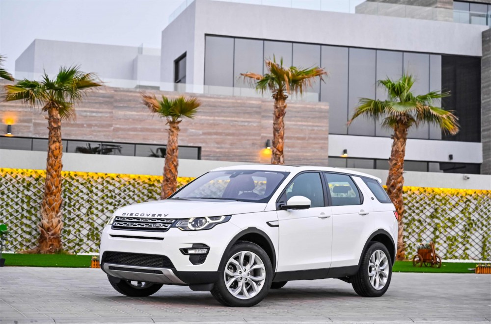 buy certified Land Rover Discovery Sport HSE Si4 with warranty