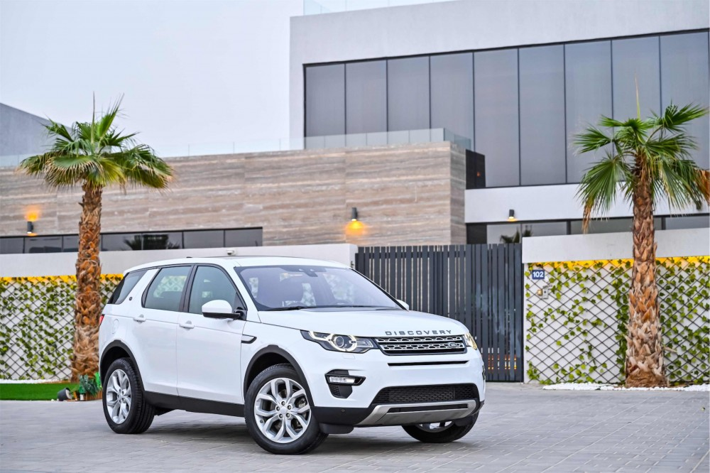 buy used Land Rover Discovery Sport HSE Si4 in Dubai