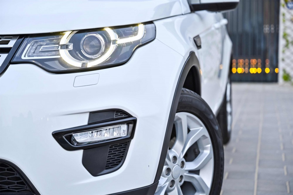 buy approved Land Rover Discovery Sport HSE Si4 in Dubai