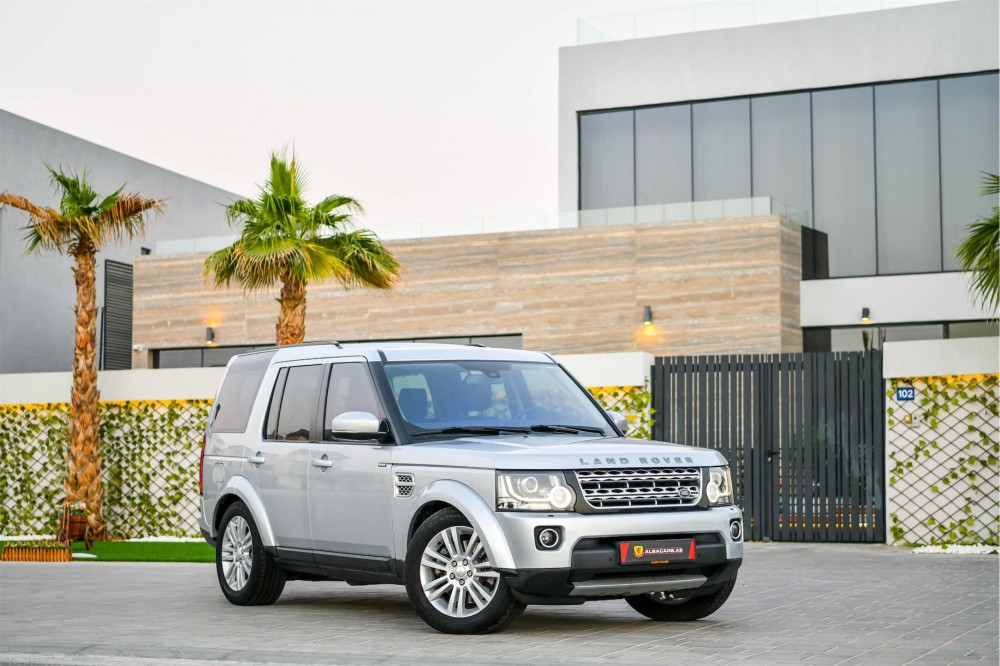 buy slightly used Land Rover LR4 HSE V6 in UAE