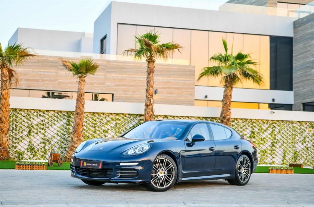 buy approved Porsche Panamera 4 in UAE