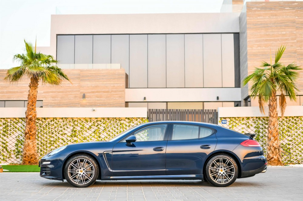 buy second hand Porsche Panamera 4 without downpayment