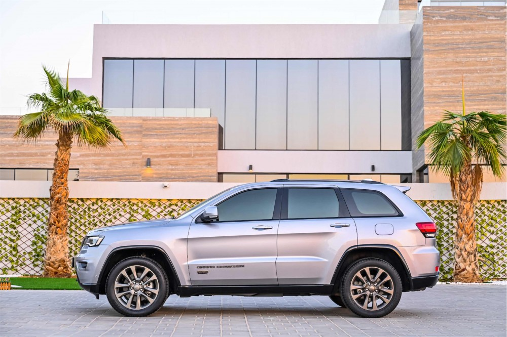 buy approved Jeep Grand Cherokee 75th Anniversary Edition without downpayment