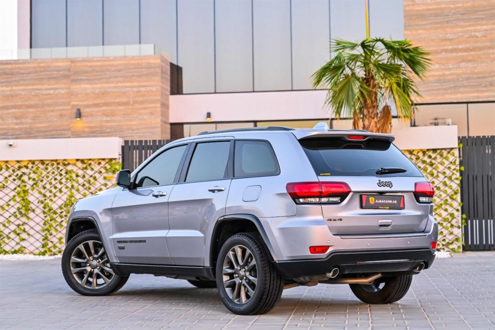 buy pre-owned Jeep Grand Cherokee 75th Anniversary Edition in UAE