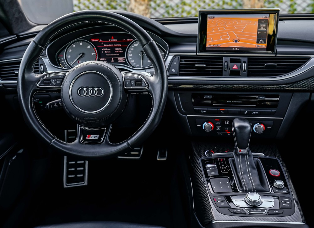 buy approved Audi S7 V8 4.0TC in Dubai