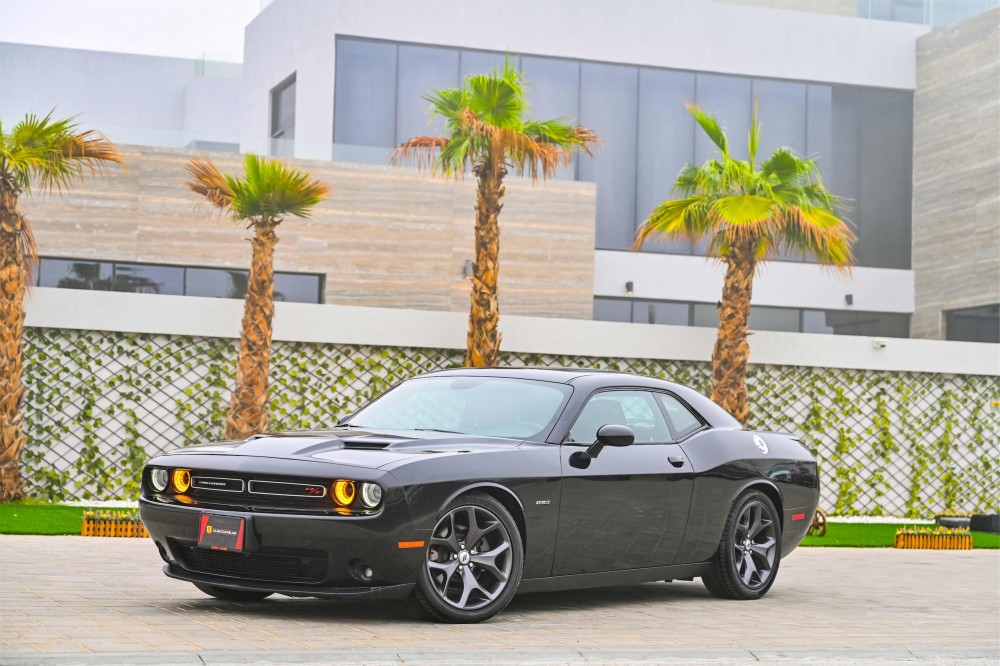 buy used Dodge Challenger R/T 5.7L V8 Hemi in Dubai