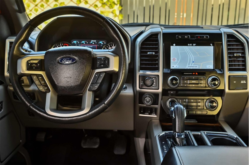 buy used Ford F-150 Lariat Ecoboost Double Cabin with warranty