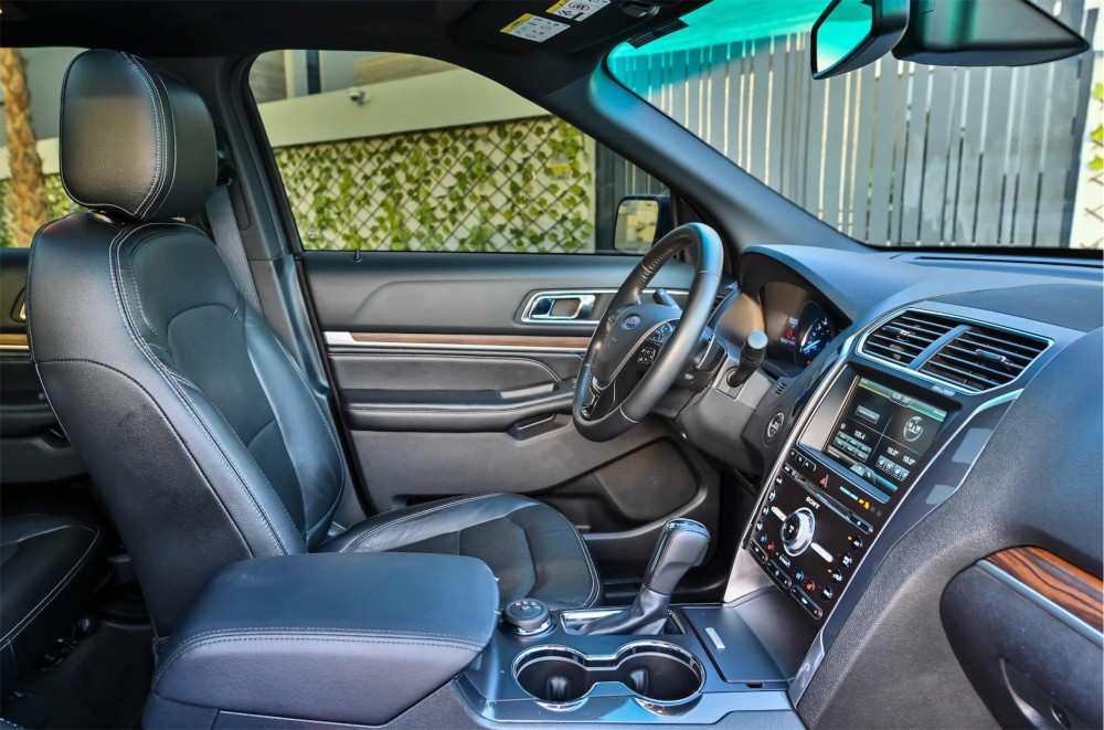 buy second hand Ford Explorer Limited without downpayment