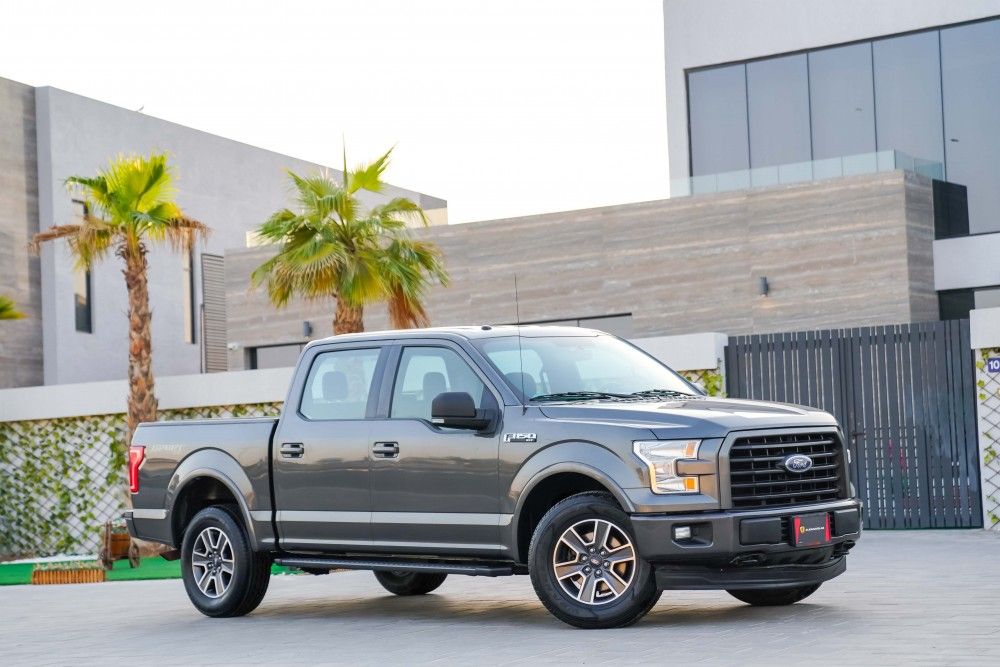 buy approved Ford F150 XLT in Dubai