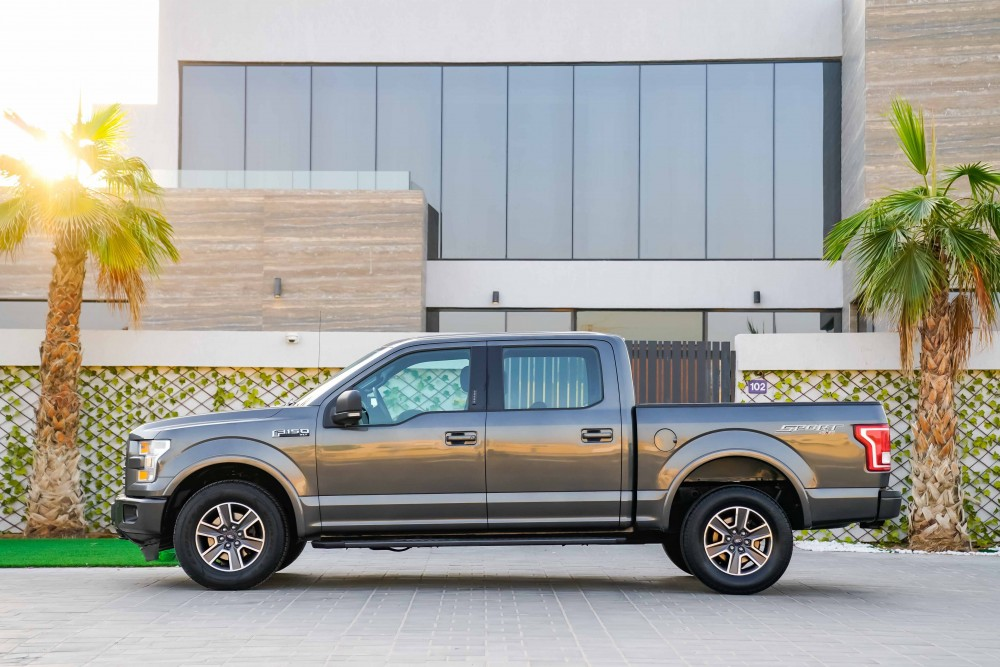 buy certified Ford F150 XLT without downpayment