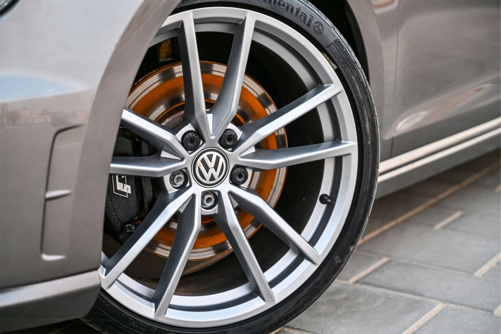 buy pre-owned Volkswagen Golf R without downpayment