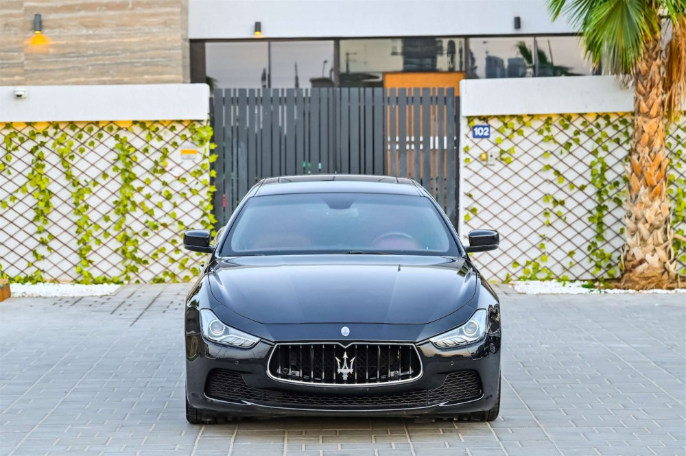 buy second hand Maserati Ghibli in UAE