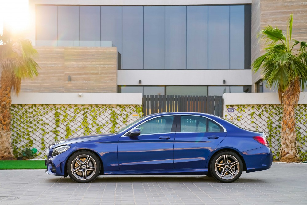 buy second hand Mercedes-Benz C200 without downpayment