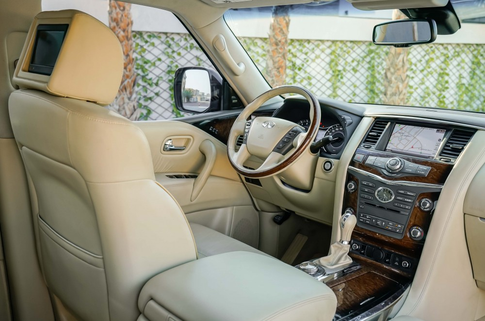 buy approved Infiniti QX80 Luxury with warranty