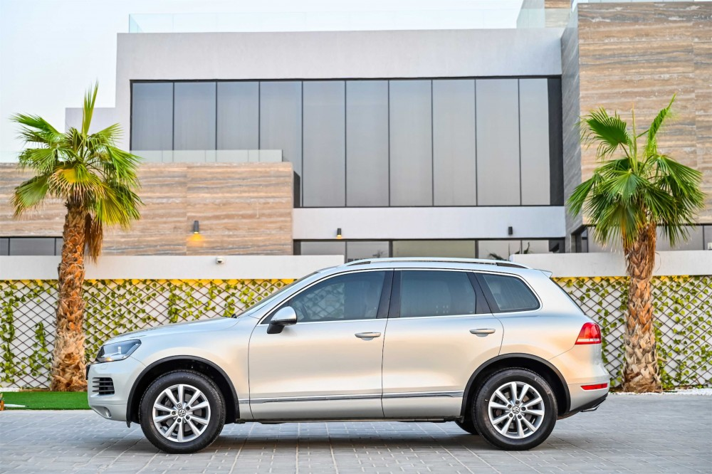 buy used Volkswagen Touareg with warranty