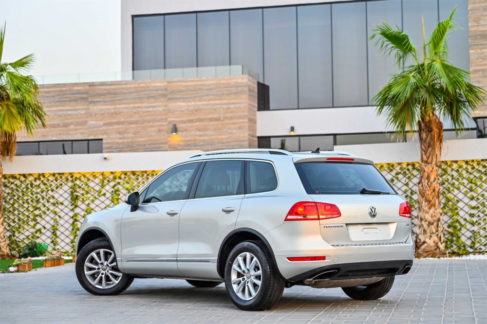 buy approved Volkswagen Touareg in UAE