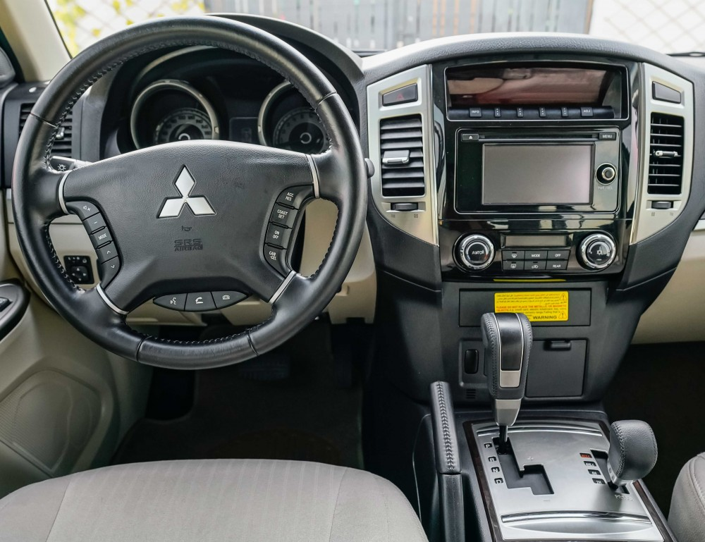buy approved Mitsubishi Pajero with warranty