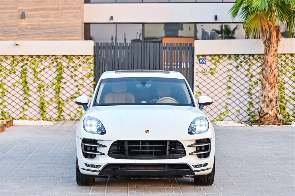 buy pre-owned Porsche Macan Turbo with warranty