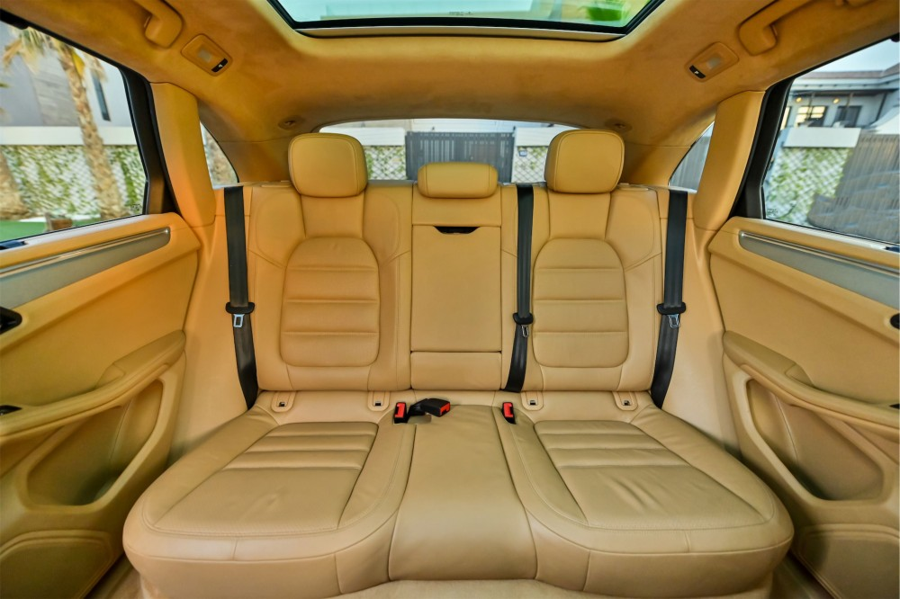 buy second hand Porsche Macan Turbo without downpayment