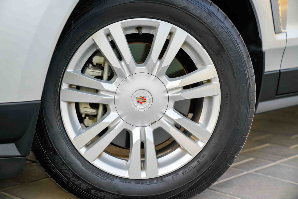 buy approved Cadillac SRX4 with warranty