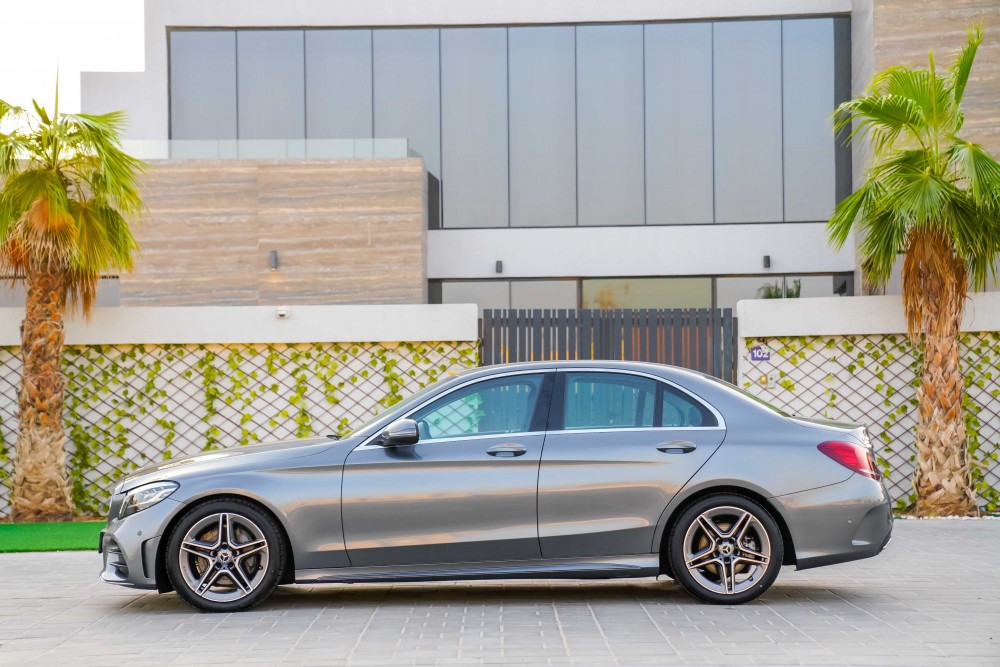 buy approved Mercedes-Benz C200 in Dubai