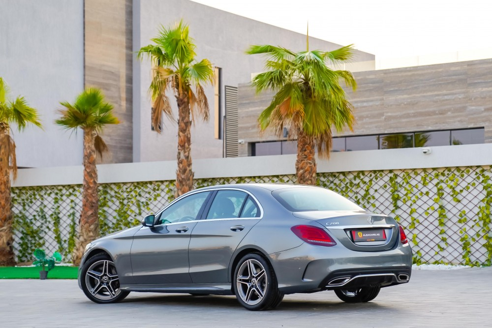 buy approved Mercedes-Benz C200 with warranty