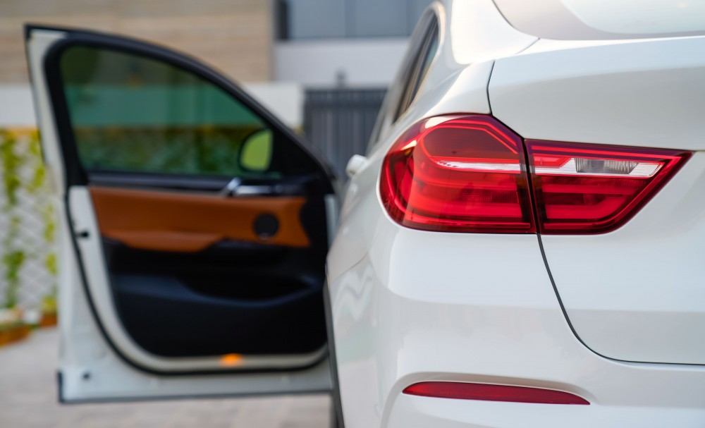 buy slightly used BMW X4 35i 3.0L without downpayment