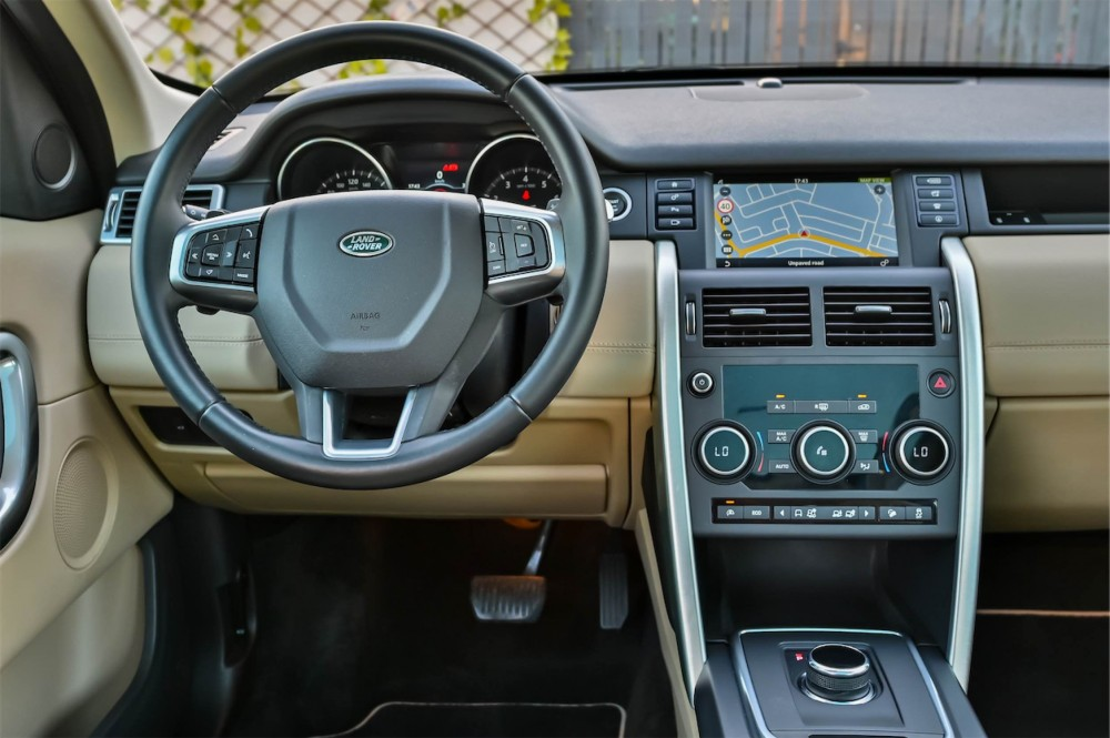 buy certified Land Rover Discovery Sport HSE without downpayment