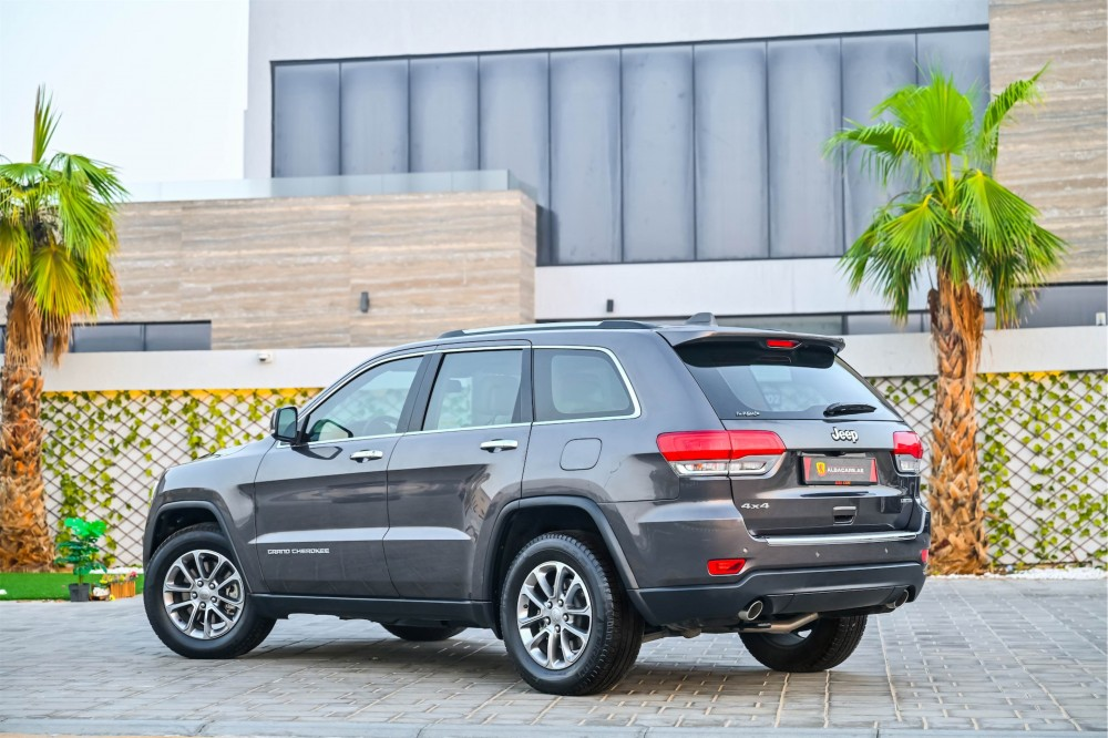 buy used Jeep Grand Cherokee V6 Limited with warranty