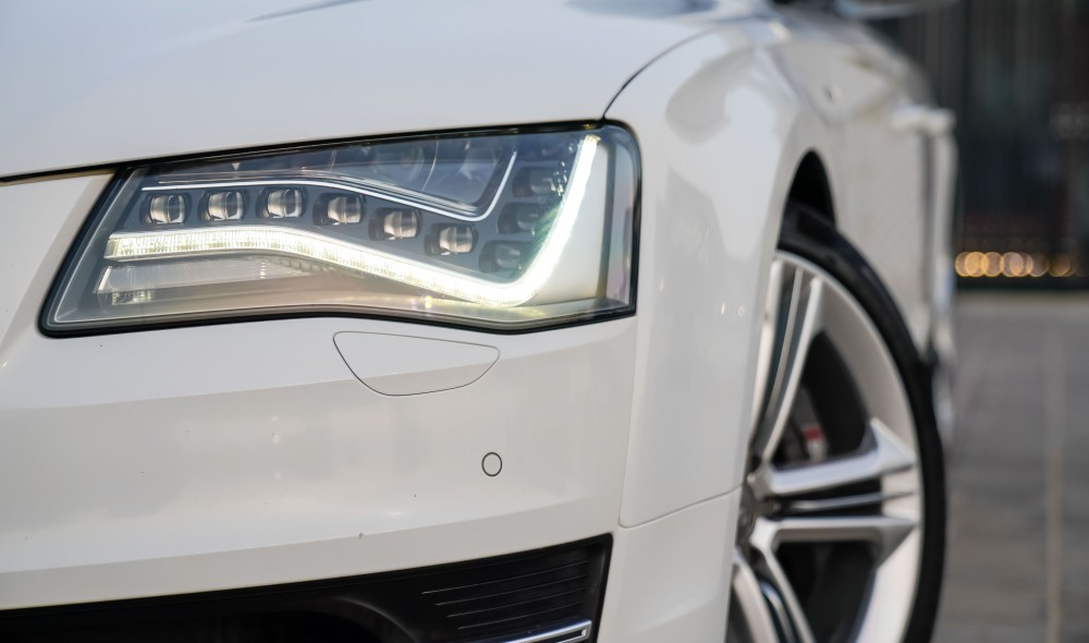 buy second hand Audi S8 4.0TC V8 without downpayment