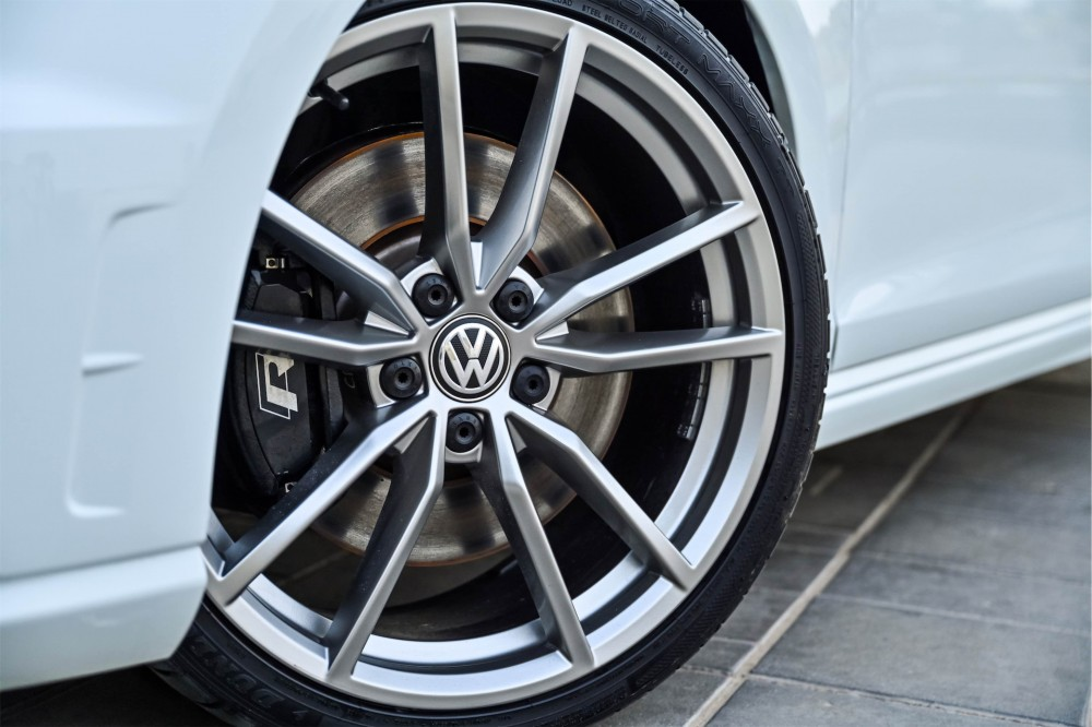 buy second hand Volkswagen Golf R without downpayment