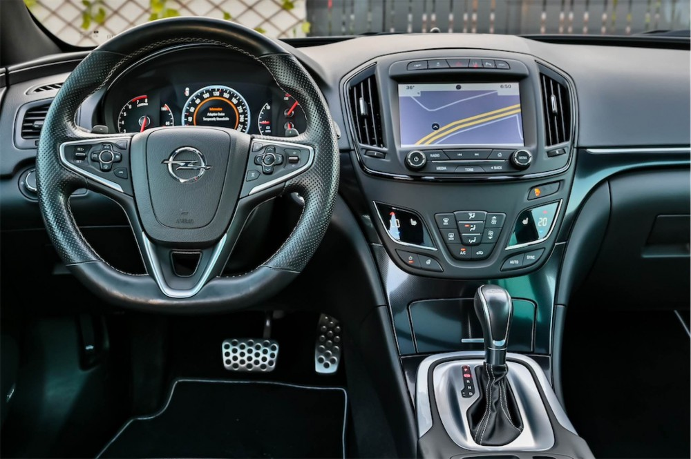 buy approved Opel Insignia OPC in Dubai