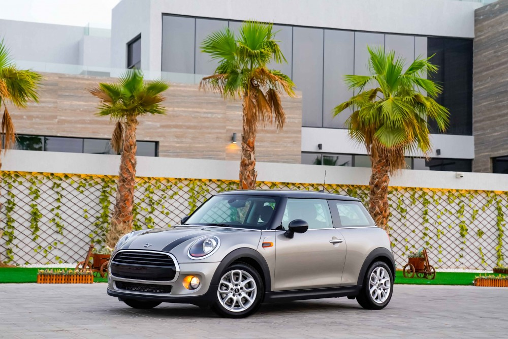 buy second hand BRAND NEW Mini Cooper with warranty