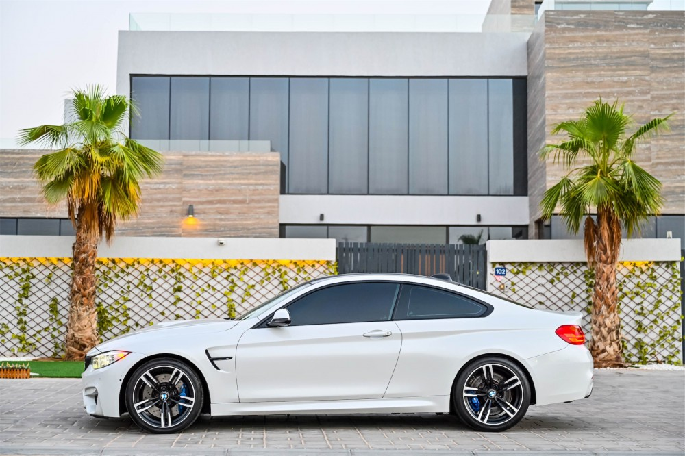 buy second hand BMW M4 without downpayment
