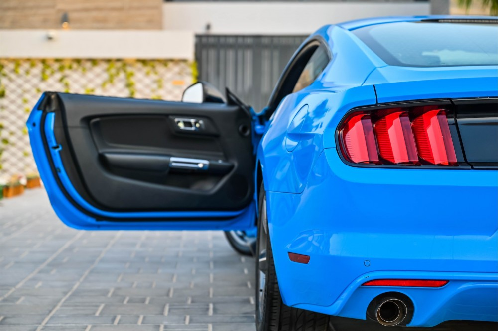 buy pre-owned Ford Mustang in Dubai