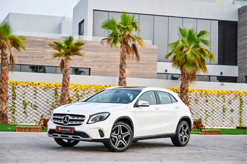 buy second hand Mercedes-Benz GLA250 without downpayment