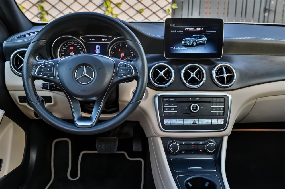 buy approved Mercedes-Benz GLA250 in Dubai