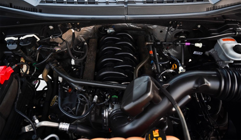 buy used Ford F-150 Lariat FX4 Super Crew without downpayment