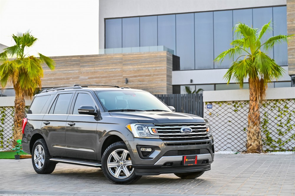 buy slightly used Ford Expedition XLT Ecoboost in UAE