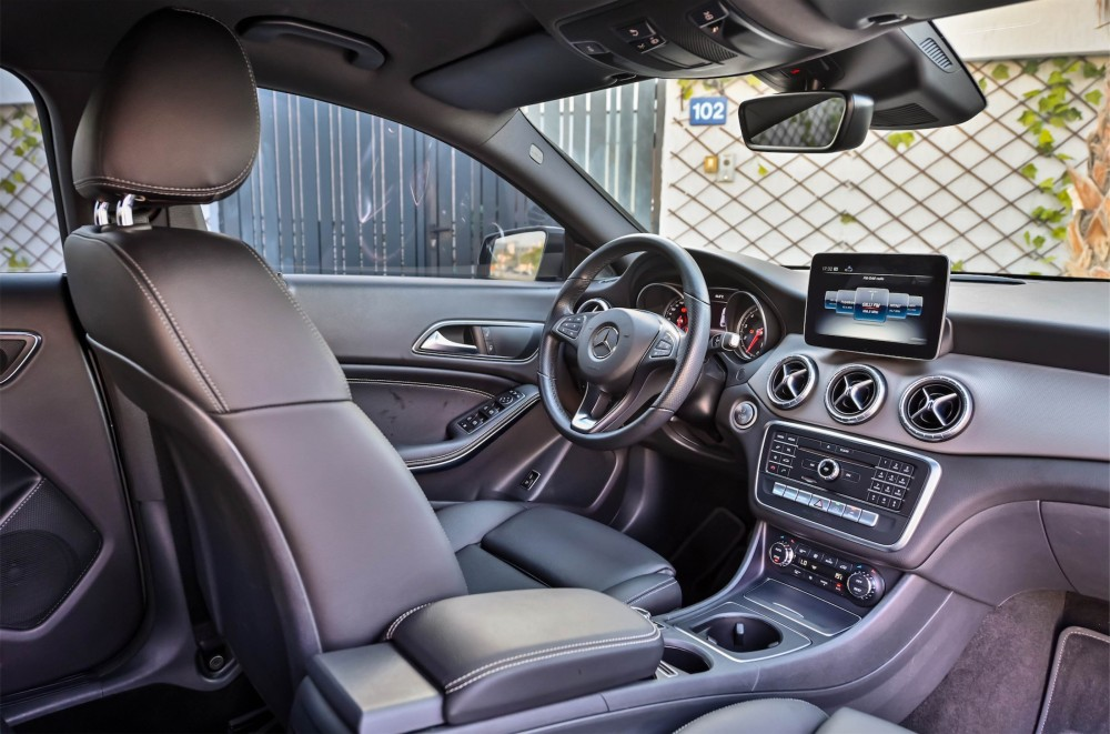 buy pre-owned Mercedes CLA200 without downpayment