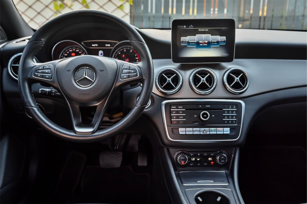 buy approved Mercedes CLA200 with warranty