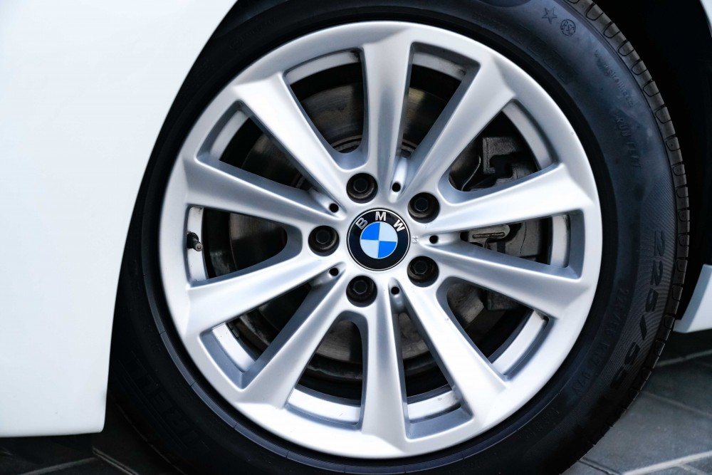 buy approved BMW 520i without downpayment
