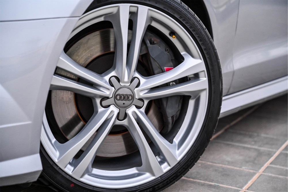 buy second hand Audi S6 4.0L V8 without downpayment