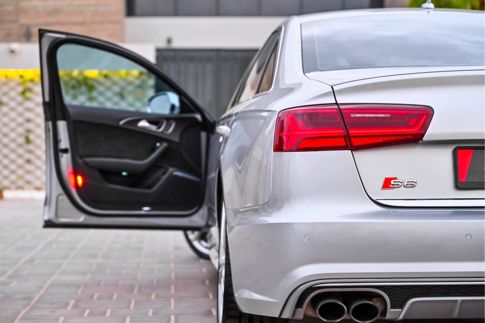 buy pre-owned Audi S6 4.0L V8 without downpayment