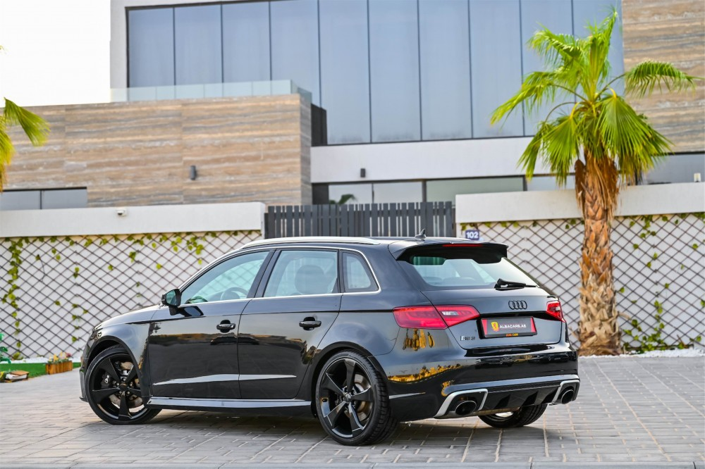 buy second hand Audi RS3 with warranty