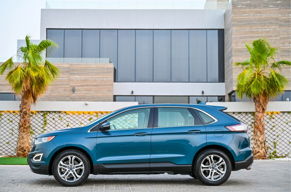 buy used Ford Edge Titanium V6 without downpayment