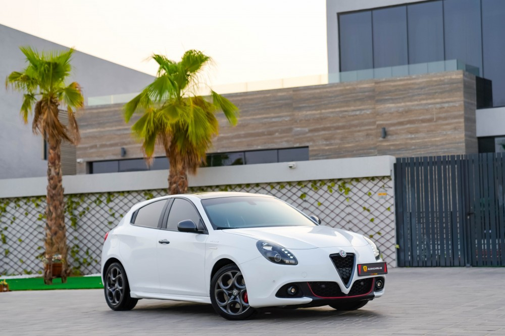 buy second hand Alfa Romeo Giulietta Veloce without downpayment