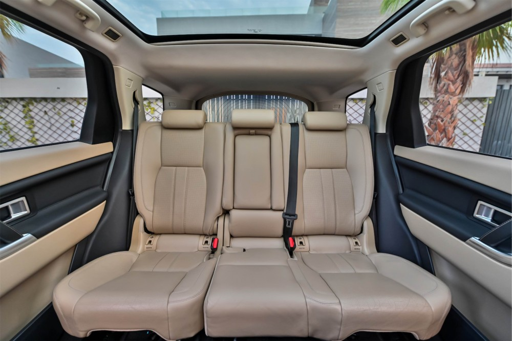 buy pre-owned Land Rover Discovery Sport HSE in Dubai