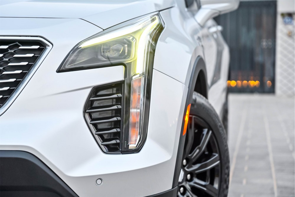 buy certified Cadillac XT4 Luxury without downpayment