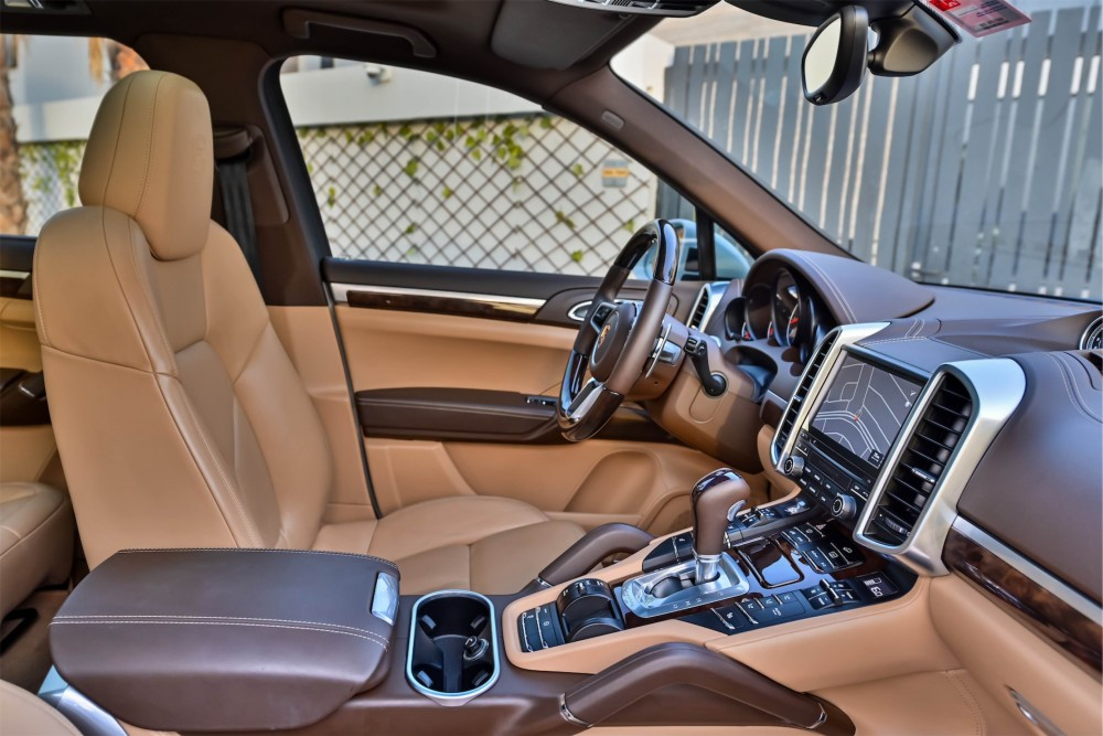 buy slightly used Porsche Cayenne Platinum Edition without downpayment